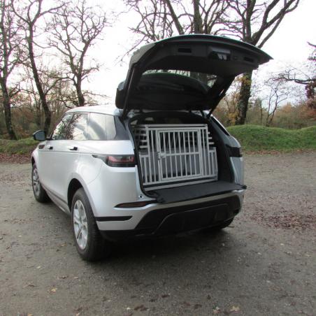 Land Rover équipé d'une caisse de transport Confort + Braveur®