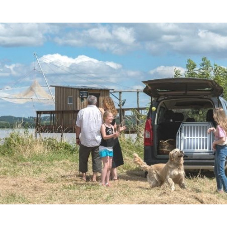 DIBARO LARGE - Caisse de transport idéale pour les vacances en famille avec son chien  en Renault Partner