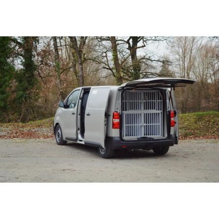 Composition 4 compartiments pour l'aménagement d'un véhicule utilitaire pour le transport des chiens