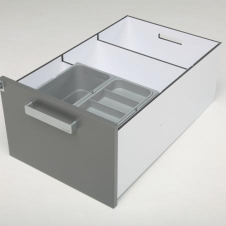 Aménagement d'un des tiroirs de pharmacie vétérinaire composé de 2 bacs poubelles.