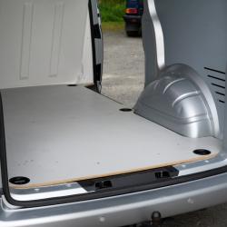 Plancher carefixe® pour l'aménagement d'un véhicule utilitaire